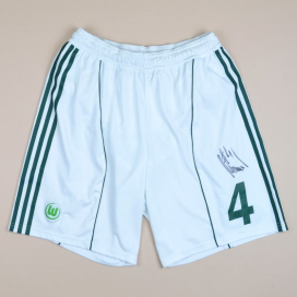 Wolfsburg 2010 - 2011 Match Issue Signed Home Shorts #4 Schäfer (Very good) L